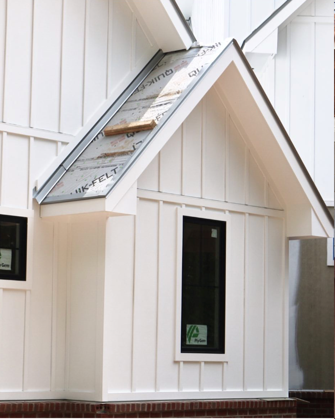 James hardie uses a panel system to create the board and batten look james hardie board batten is best for applications looking for a pristine painted